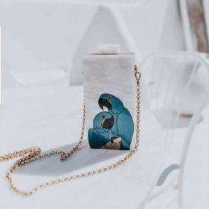 Queen Bag Arara Azul Branca Perolada